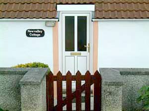 New Valley holiday cottage front gate